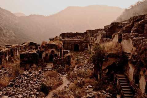 Bhangarh-Fort.jpg